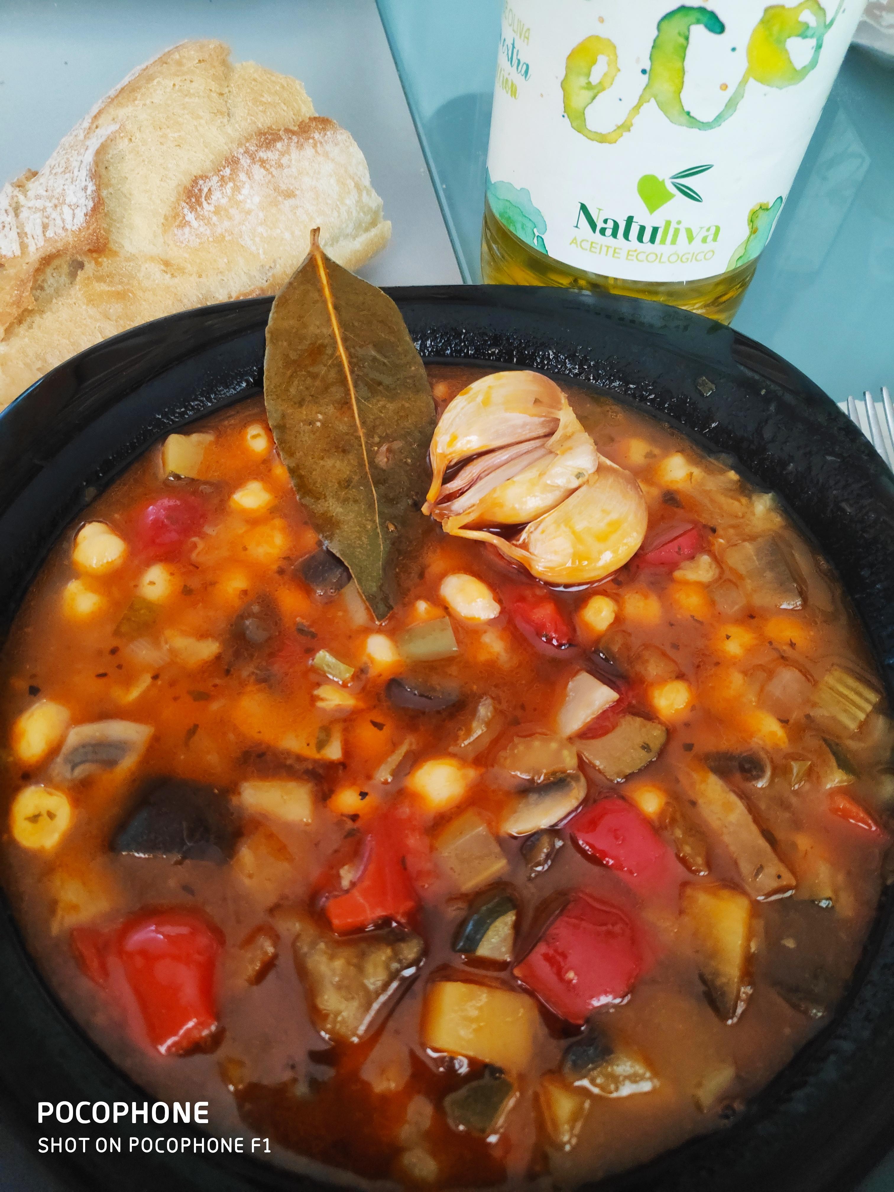 Este domingo unos garbanzos con verduras al estilo Natuliva 😉😋 (osea: ricos, ricos, ricos ...)